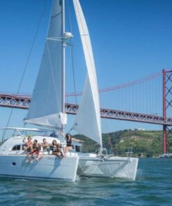 Catamaran Up 12 Guests Lisbon