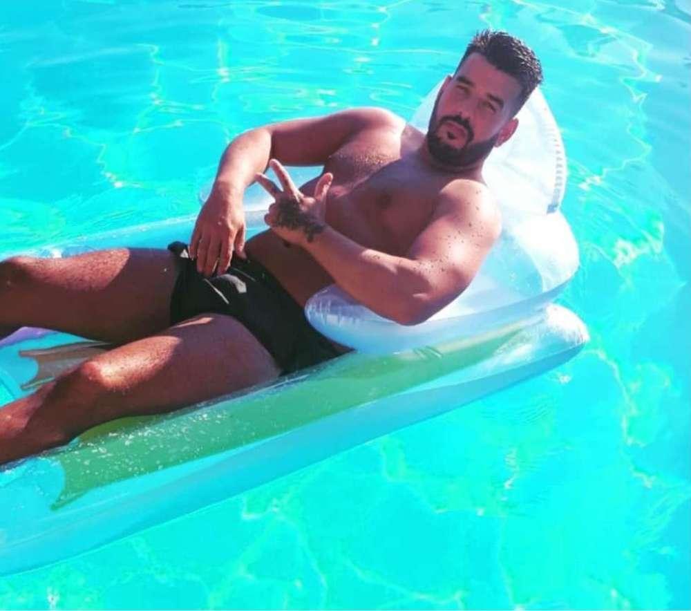 Topless Butler Lisbon