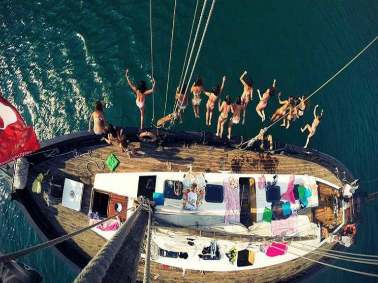 yacht hire lisbon